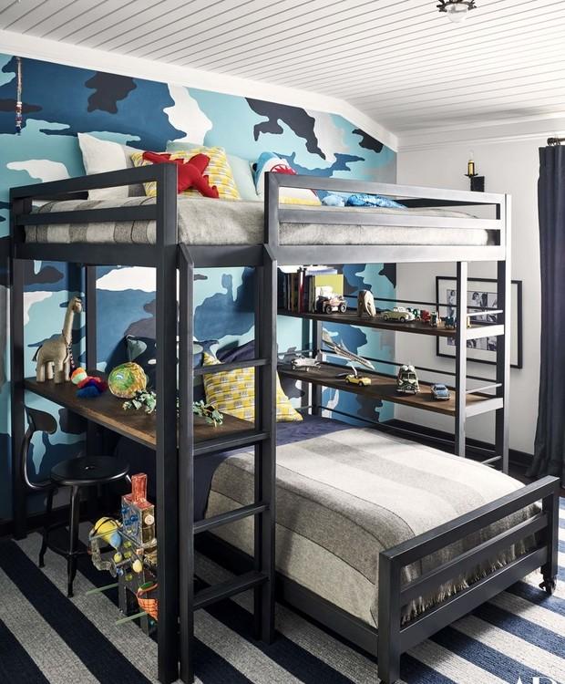 O quarto do pequeno Noah tem o tema militar (Foto: Douglas Friedman/ Reprodução)