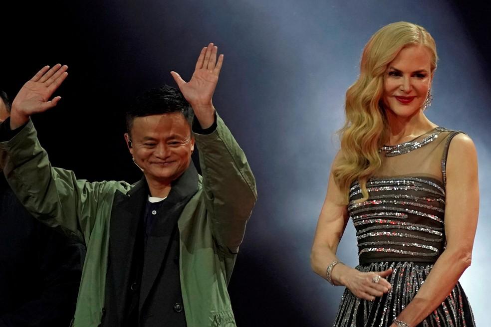 Jack Ma, presidente do Grupo Alibaba, e a atriz Nicole Kidman participam de show na sexta-feira (10) para celebrar o Dia dos Solteiros, importante data de promoções online que se tornou a maior maratona de compras do mundo.   (Foto: Aly Song/Reuters)