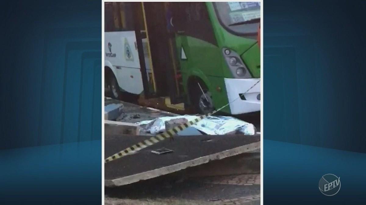 Ônibus derruba ponto de concreto e provoca morte em Campinas