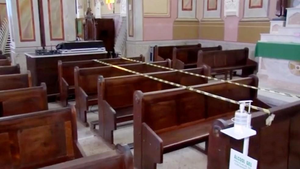 Dioceses de Bauru e Marília suspendem celebrações presenciais durante fase emergencial — Foto: TV TEM/Reprodução