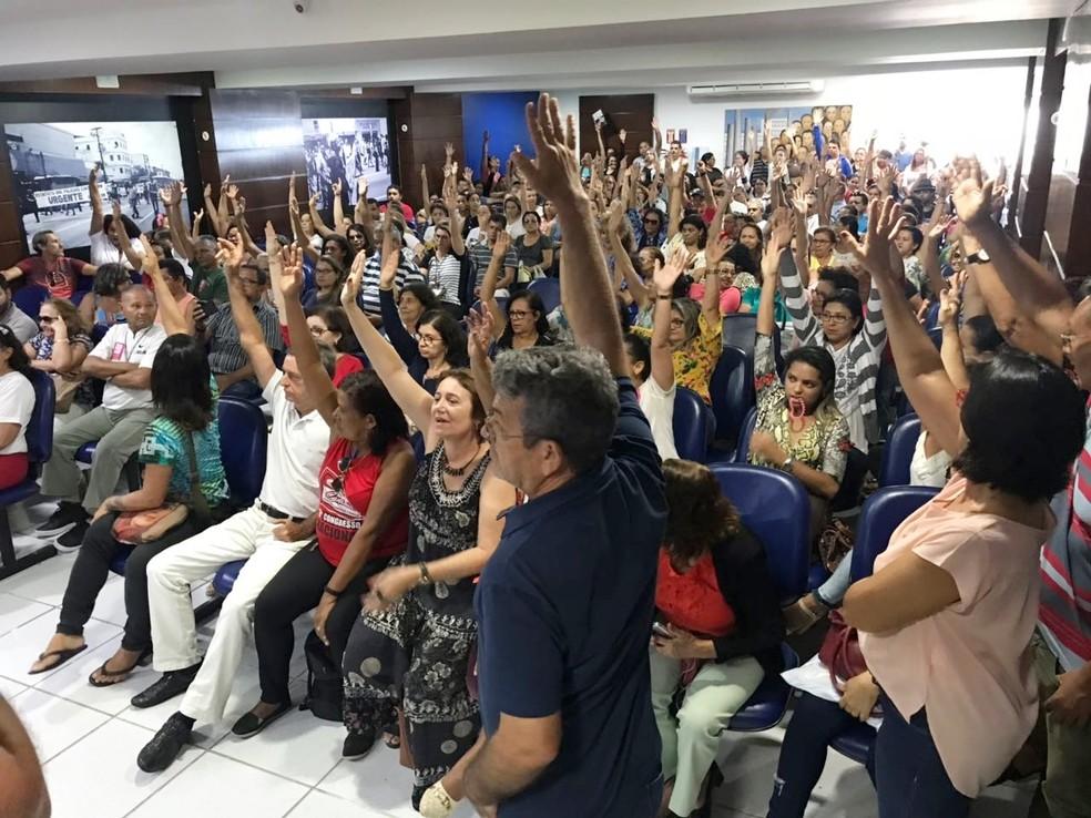 Servidores da saúde votaram pelo fim da greve durante assembleia realizada na manhã desta terça (20) em Natal (Foto: Kleber Teixeira/Inter TV Cabugi)