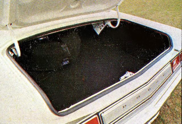 Porta-malas era uma referência em espaço (Foto: Autoesporte)