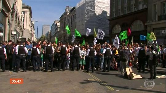 Cresce número de manifestantes detidos por causa de protestos sobre o clima em Londres