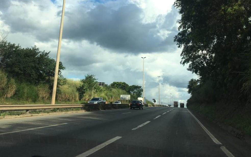 Previsão é que viaduto ligando o Setor Leste Universitário ao Novo Mundo passe por cima da BR-153 — Foto: Rodrigo Gonçalves/G1