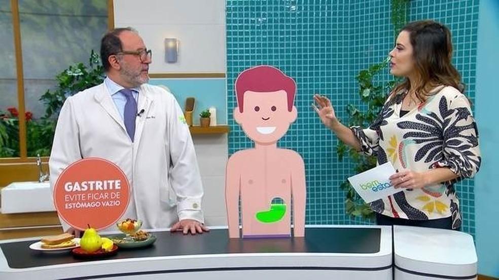 Dr. Fábio Atuí, cirurgião do aparelho digestivo e consultor do Bem Estar tira dúvidas. — Foto: Reprodução/TV Globo
