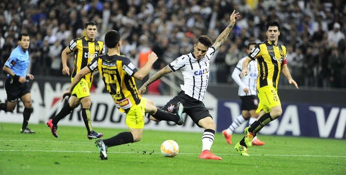 Corinthians x Guaraní Libertadores Guerrero (Foto: Marcos Ribolli)