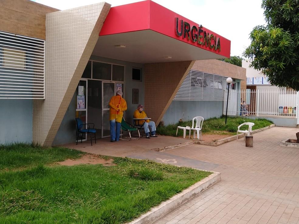 Vítima está em estado grave no Hospital Regional Justino Luz, em Picos — Foto: Antônio Rocha/TV Clube