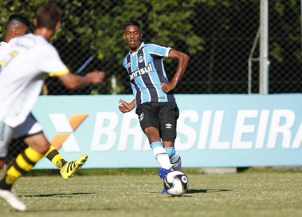 Jean Pyerre em ação na Segunda Divisão gaúcha (Foto: Rodrigo Fatturi/Grêmio)