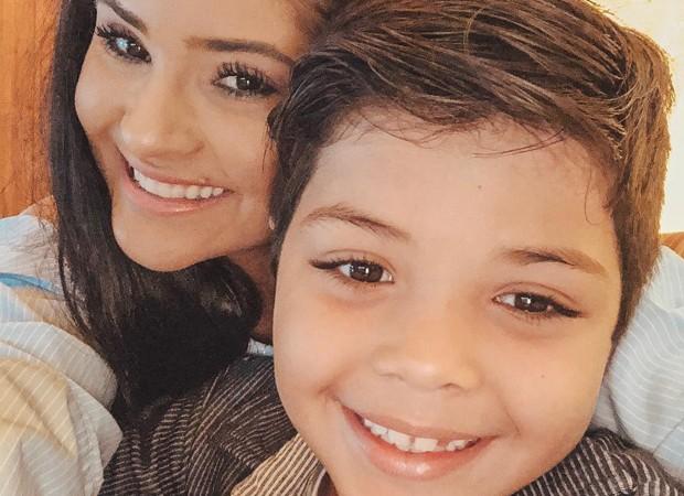 Mileide Mihaile com o filho Yhudy (Foto: Reprodução/Instagram)