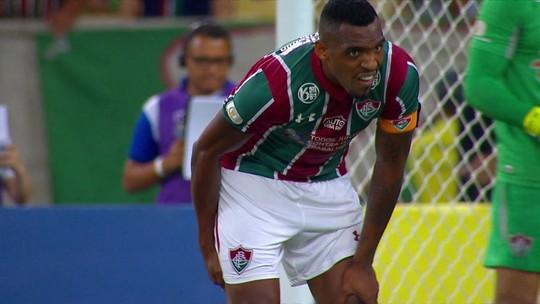 Digão tem lesão na coxa direita e desfalca o Fluminense contra o Athletico-PR