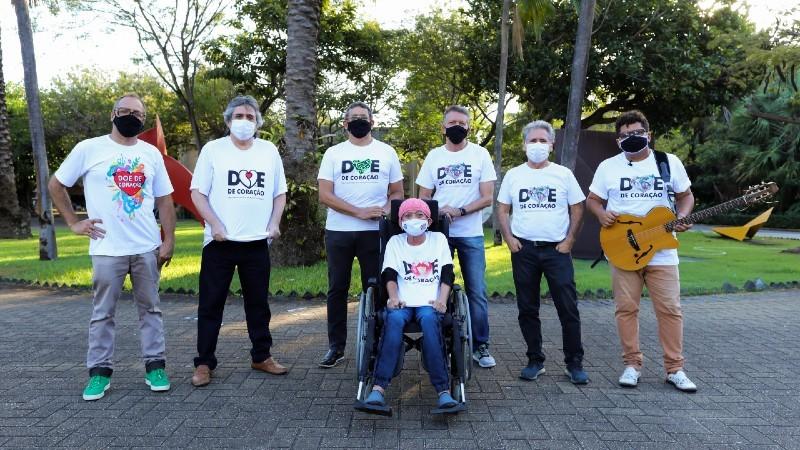 Artistas celebram participação em identidade visual da campanha Doe de Coração