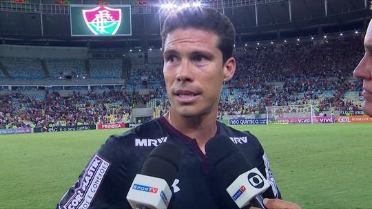 Lugano e Hernanes cobram jogadores do São Paulo após derrota para o Fluminense