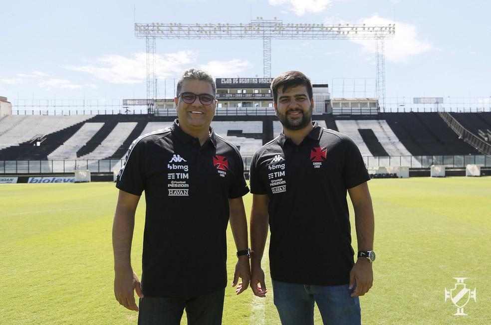 Marcelo Cabo e Gabriel Cabo em seu primeiro dia de Vasco, em São Januário — Foto: Rafael Ribeiro/Vasco