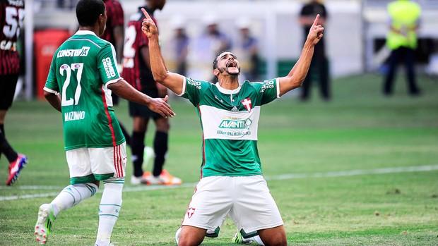 Palmeiras x Atlético-pr, Henrique Gol (Foto: Marcos Ribolli)