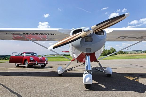 Motor do Porsche 356 já havia sido adaptado pela marca para o mundo da aviação (Foto: Divulgação)