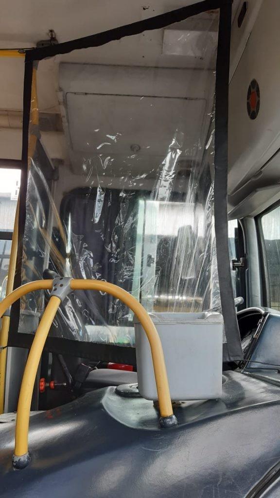 Ônibus de Maceió começam a circular com barreiras de acrílico para proteger motoristas e cobradores