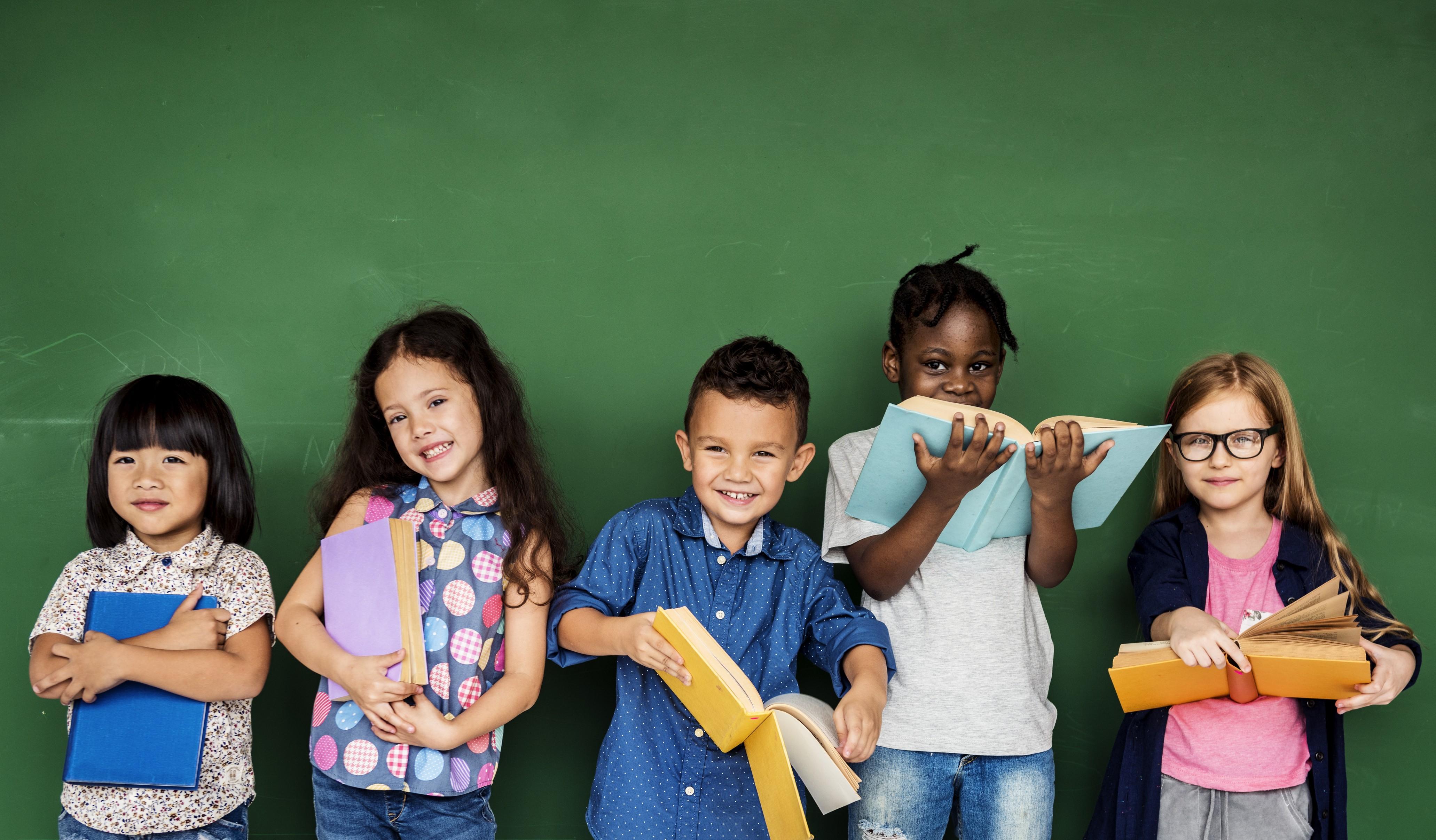 Aprendizado da criança vai além dos livros (Foto: Thinkstock)