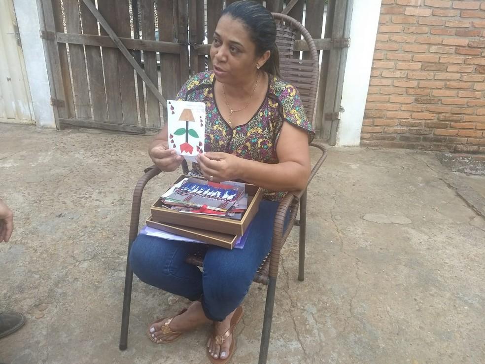 Mãe disse que vai lutar por justiça — Foto: Gabriela Lago/G1