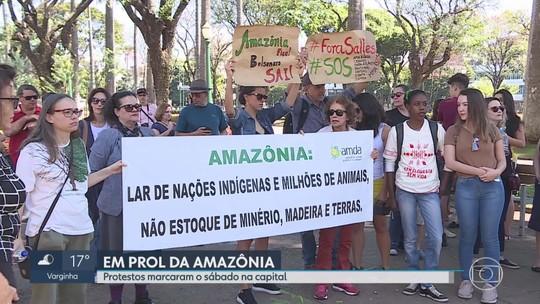 Grupo se manifesta em defesa da Amazônia em Belo Horizonte