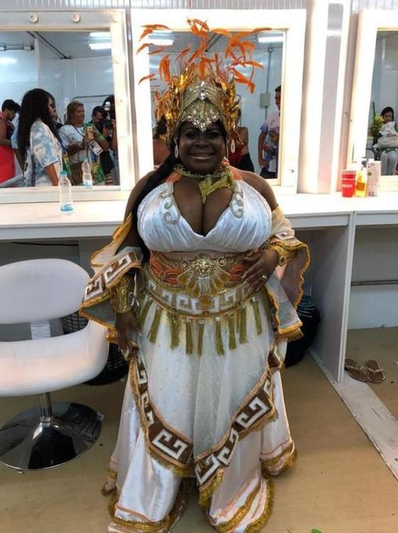 Destaque estreante da vitoriosa Beija-Flor, Jojo é tida como pé quente na escola de samba carioca (Foto: Agência O Globo)