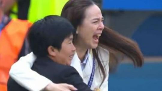Gol de honra das tailandesas contra as suecas emociona comissão técnica e torcida: veja os gols