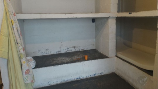 Dárcy Vera divide cela na cadeia e pede marmita com arroz, feijão, carne e salada