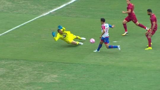 Diego Alves, Cássio, Ramon e Moisés brigam pelas melhores jogadas do mês. Confira os lances e vote