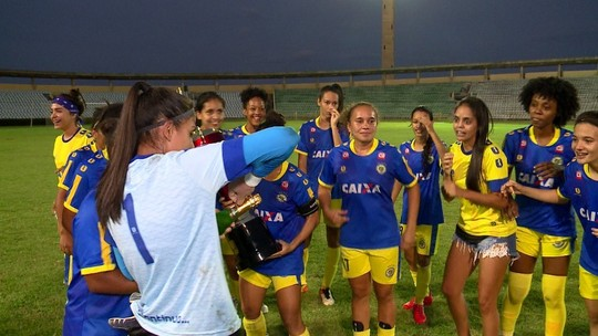 Nos pênaltis, Tiradentes-PI bate valente Teresina, leva o Piauiense feminino e vai ao Brasileiro