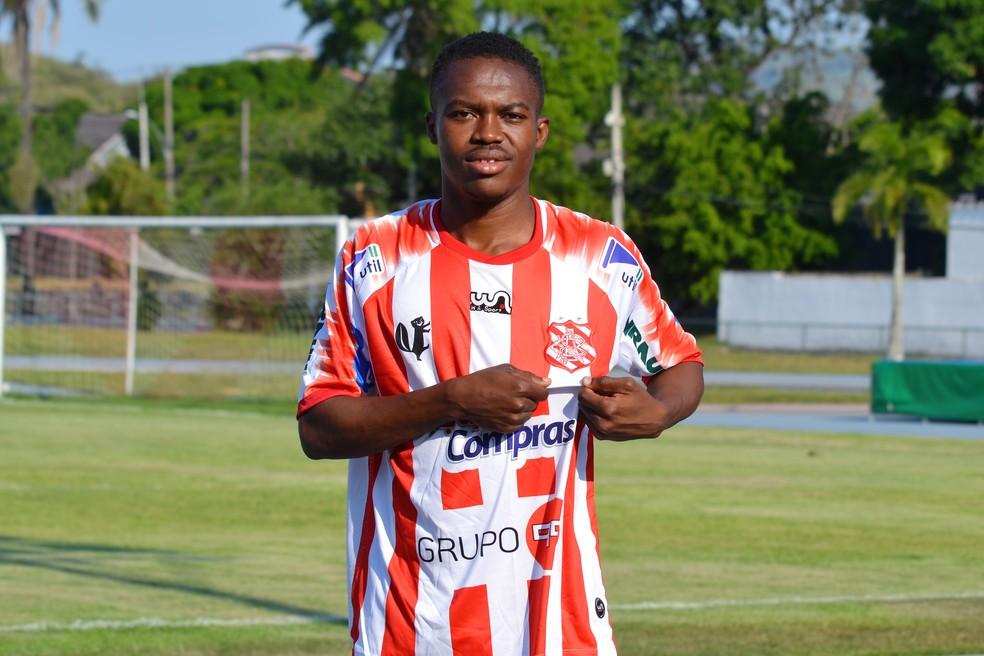 Yaya Banhoro foi anunciado pelo Bangu para o Carioca — Foto: Emerson Pereira/Bangu