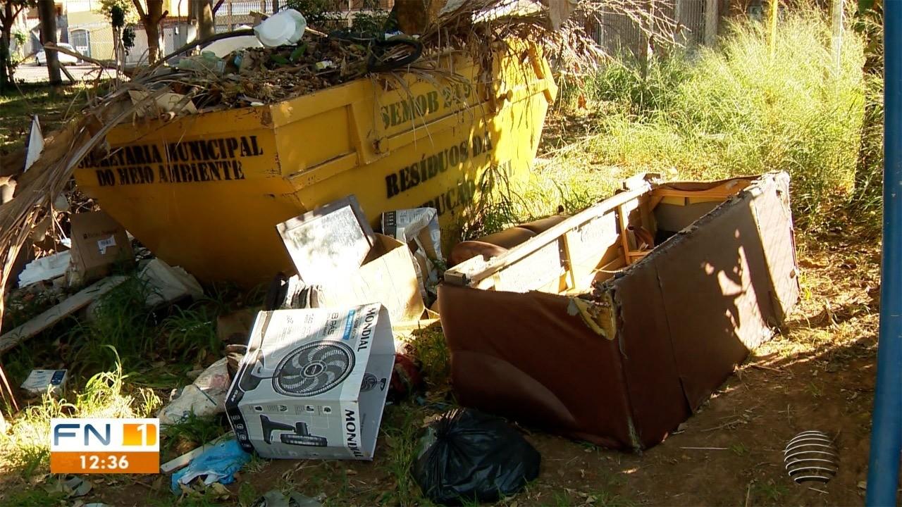 Moradores da Cohab reclamam do descarte irregular de lixo