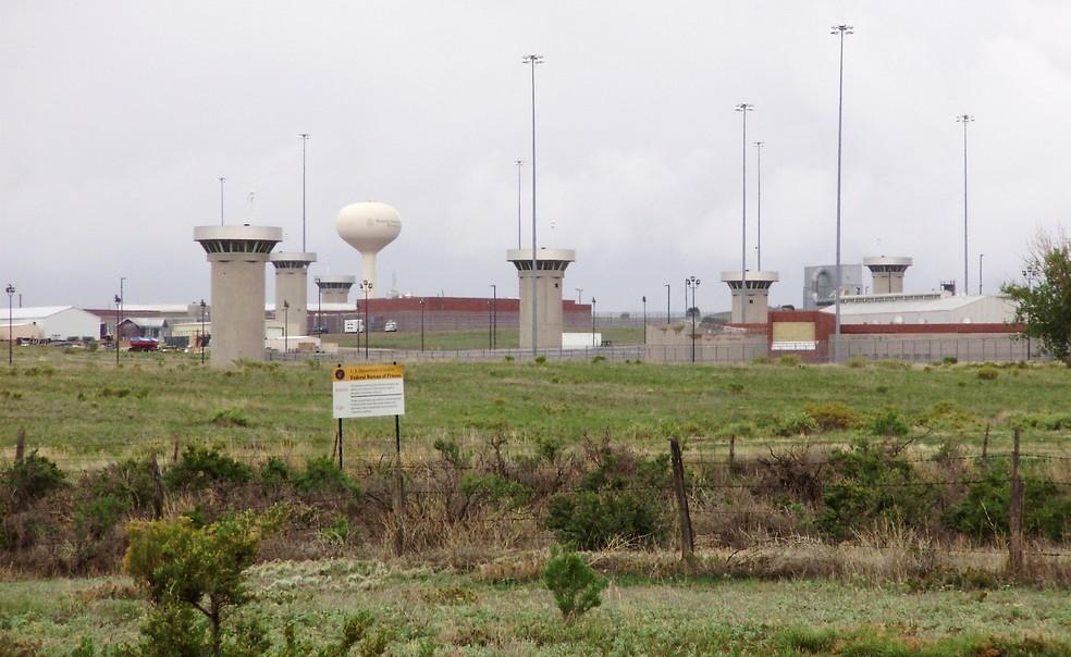 """Complexo penitenicário federal em Florence, no Colorado, chamada de """"Alcatraz dos Estados Montanhosos"""", onde El Chapo deve cumprir a sentença. — Foto: Steven Saint/Reuters"""