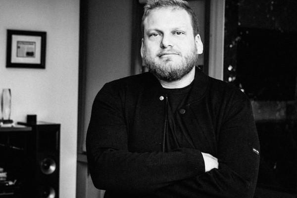 O irmão do ator Jonah Hill, o empresário Jordan Feldstein (Foto: Divulgação)