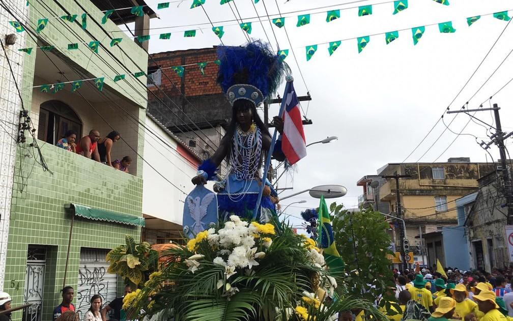 Imagem da Cabocla, que junto com o Caboclo, compõe os símbolos dos festejos do Dois de Julho, em Salvador — Foto: Alan Oliveira/G1