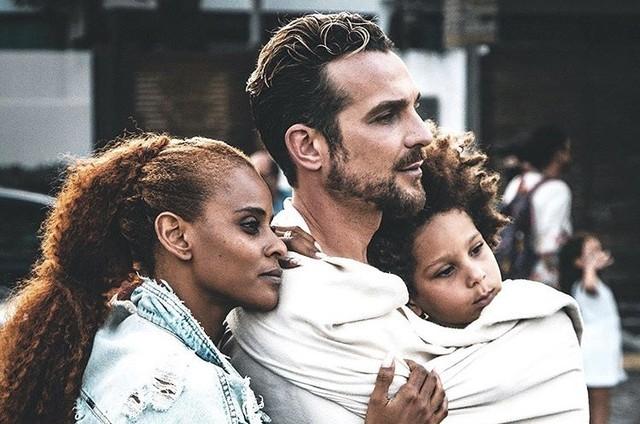Igor Rickli com a mulher e o filho (Foto: Reprodução/Instagram)