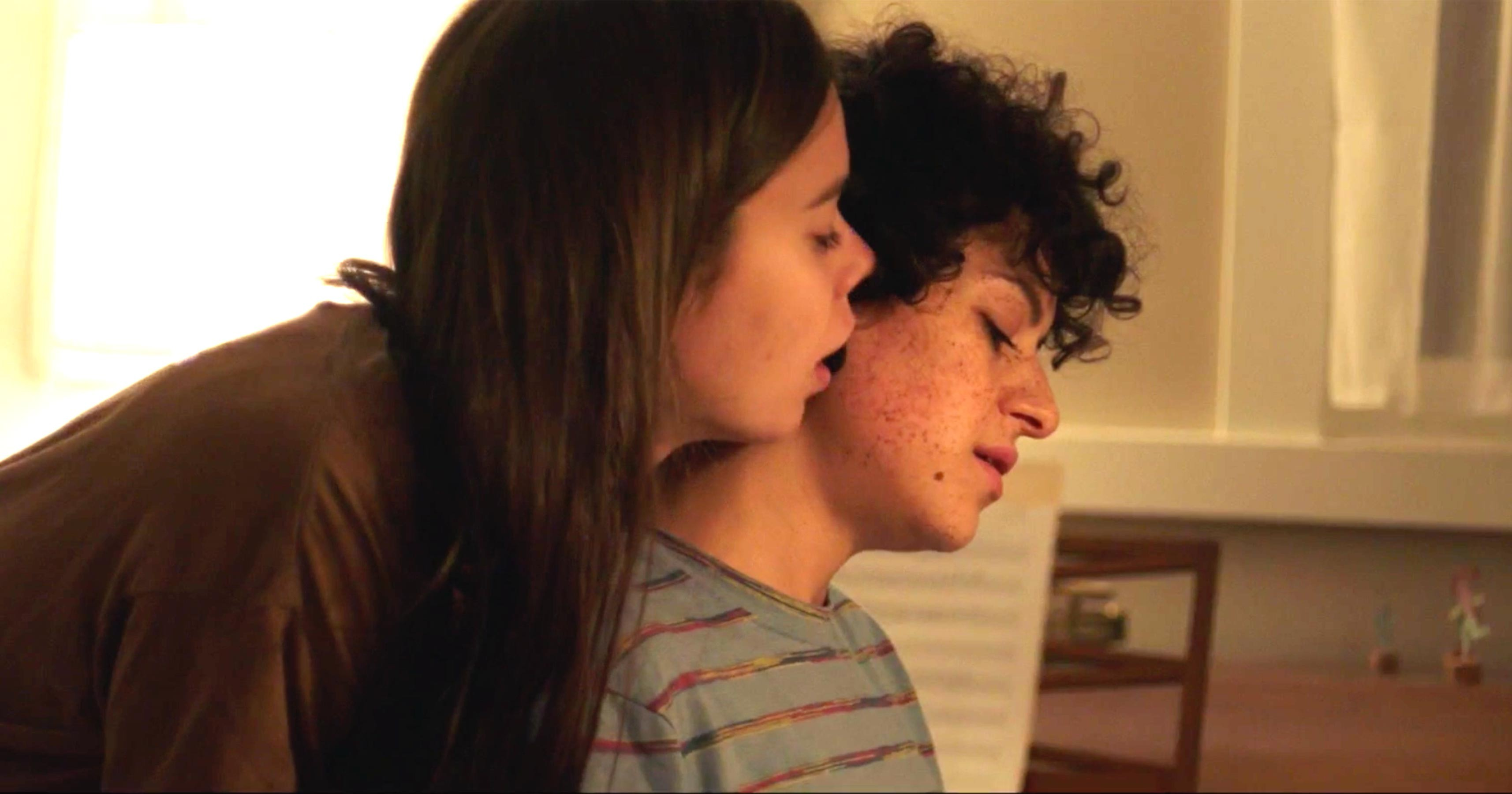 Duck Butter (2018) Alia Shawkat and Laia Costa (screen grab) CR: The Orchard (Foto: Divulgação)
