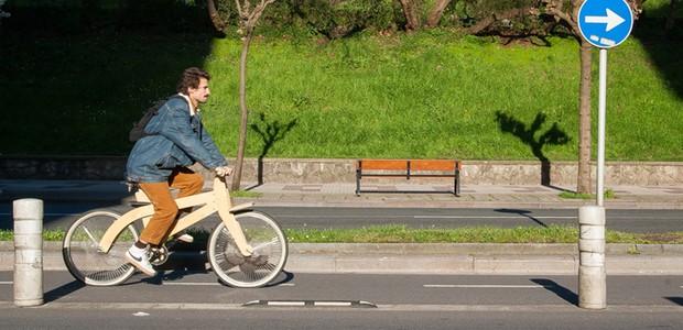 Estúdio espanhol cria bicicleta de madeira que pode ser construída por qualquer pessoa (Foto: Arquimaña)