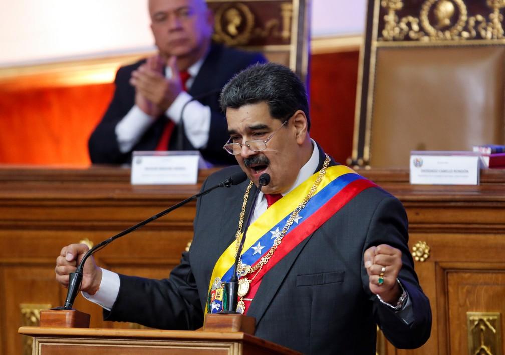 Nicolás Maduro discursa a parlamentares da Venezuela nesta terça-feira (14) — Foto: Manaure Quintero/Reuters