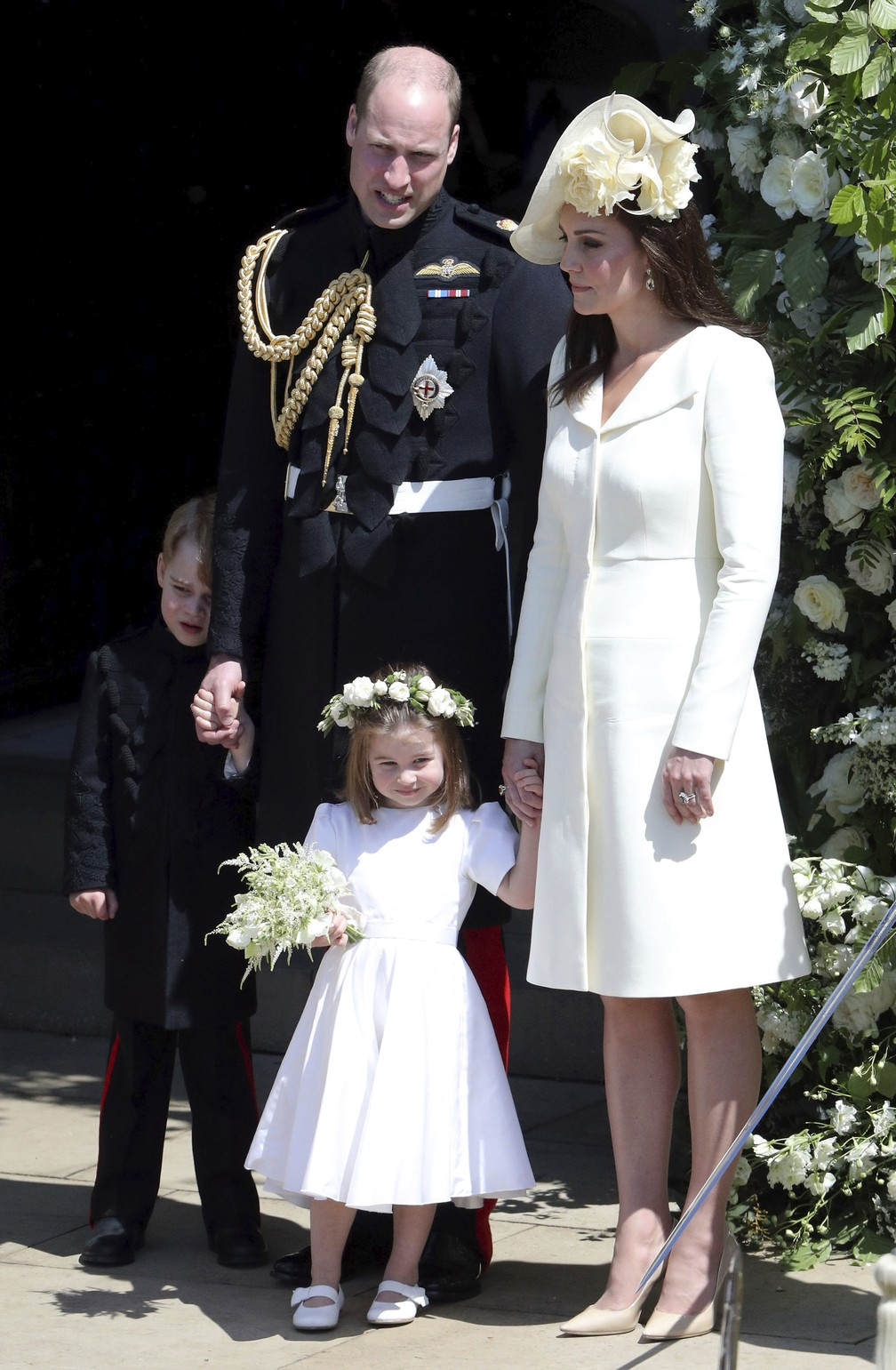 Kate Middleton com o príncipe William e os filhos, George e Charlotte — Foto: Andrew Matthews/pool photo via AP
