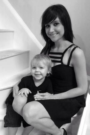 Mãe e filho (Foto: Reprodução Facebook)