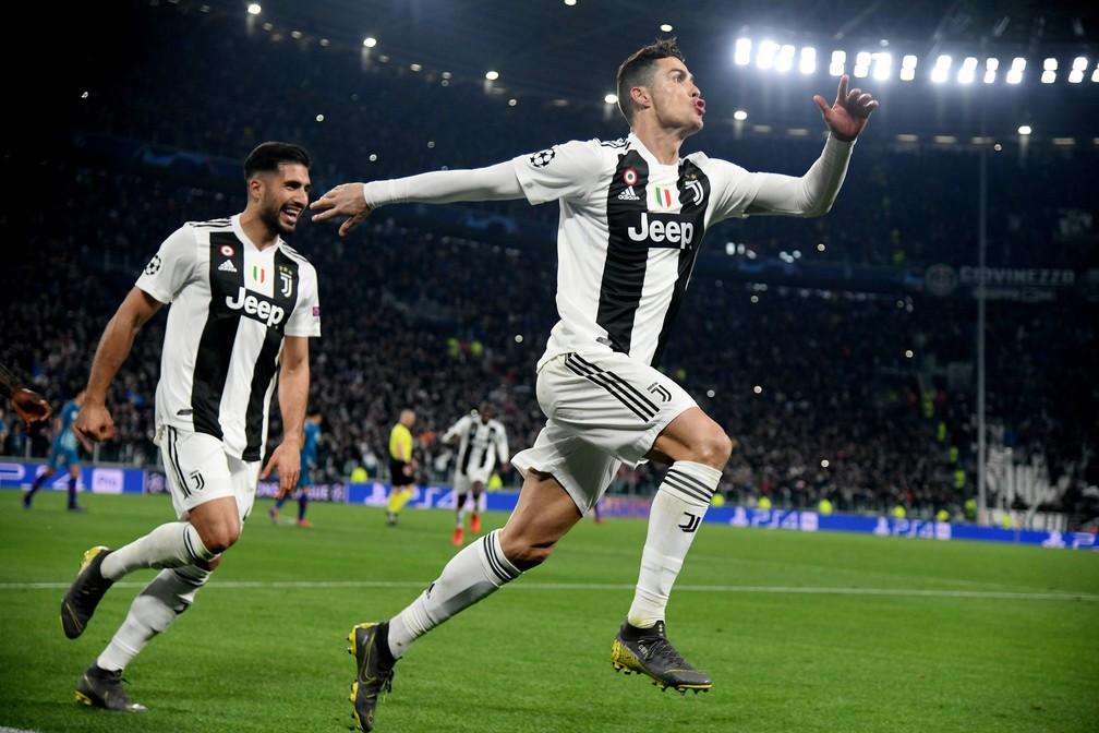 Chegada de Cristiano Ronaldo para a temporada 2018/19 impulsionou receitas comerciais da Juventus — Foto: Reuters