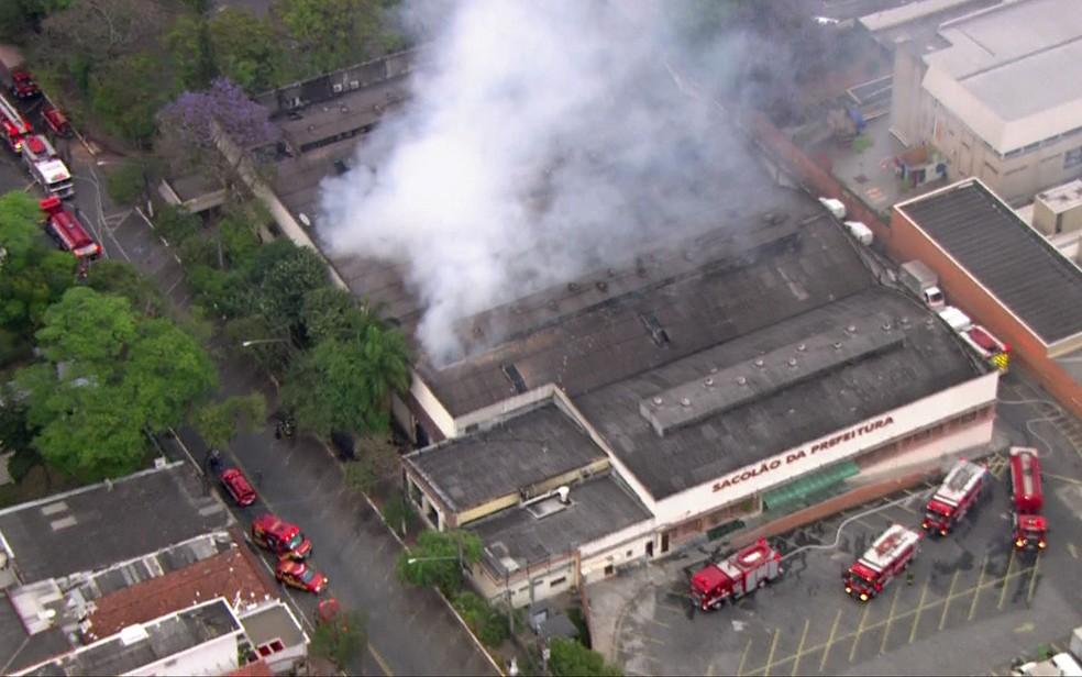 Incêndio atingiu Mercado de Santo Amaro em setembro (Foto: TV Globo/Reprodução)