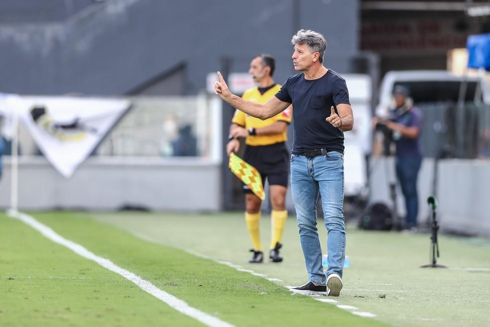 Renato comanda o Grêmio contra o Santos — Foto: Lucas Uebel / Grêmio FBPA