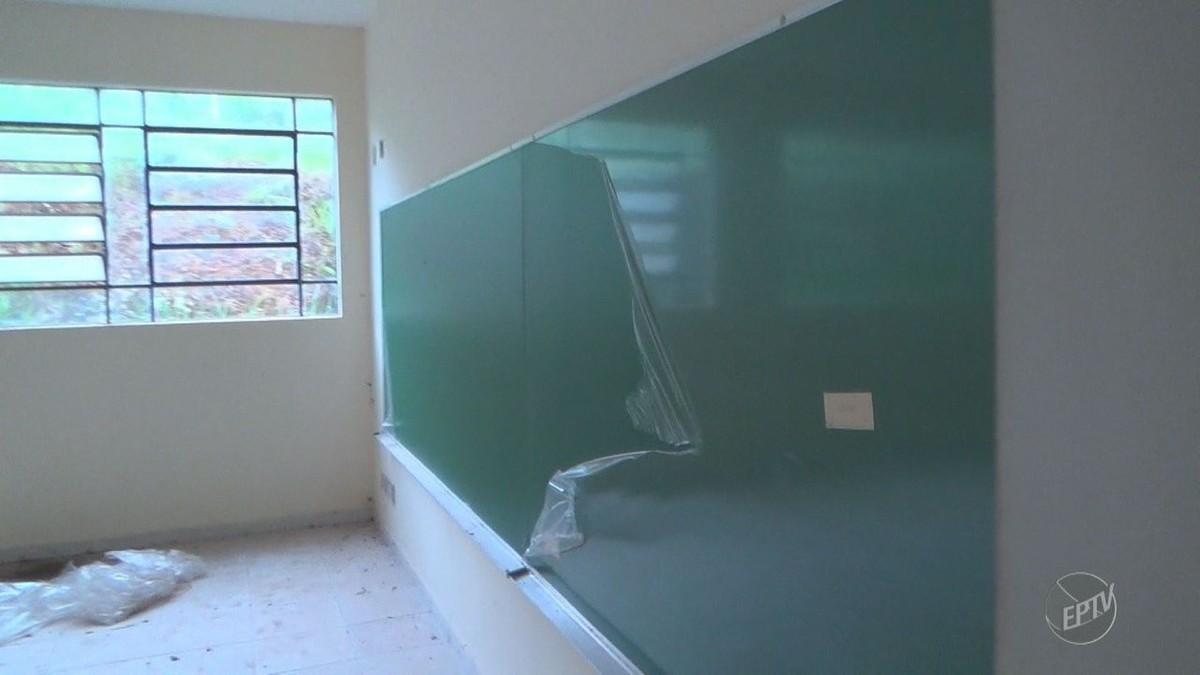 Planejada para abrigar 1,1 mil alunos, obra de escola municipal está abandonada em Valinhos