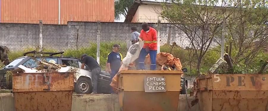 Taubaté anuncia redução no serviço de coleta seletiva; 150 trabalhadores serão demitidos