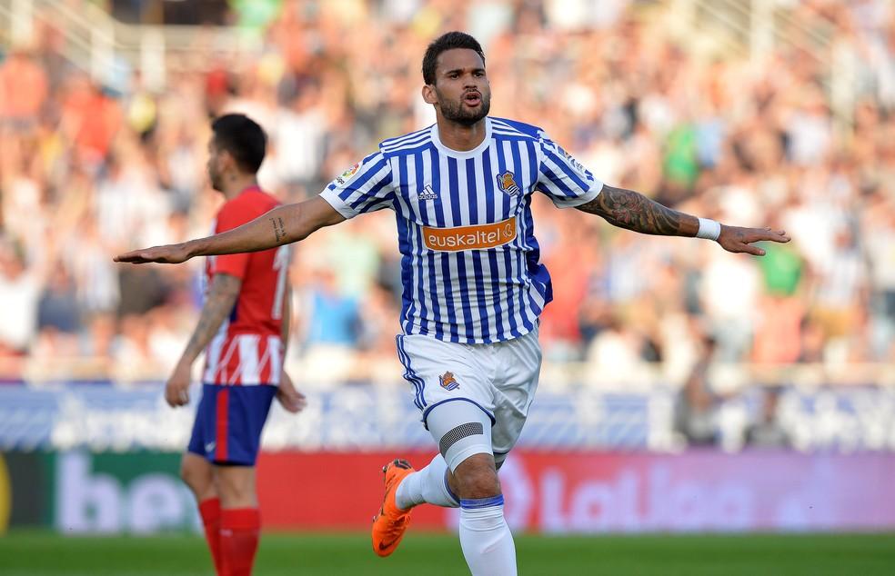 Willian Jose comemora gol pela Real Sociedad (Foto  Vincent West   Reuters) cc5f6caca3fb5