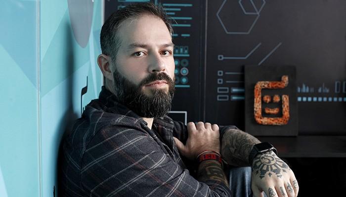 Jacson Fressato é o criador do robô Laura (Foto: Divulgação)