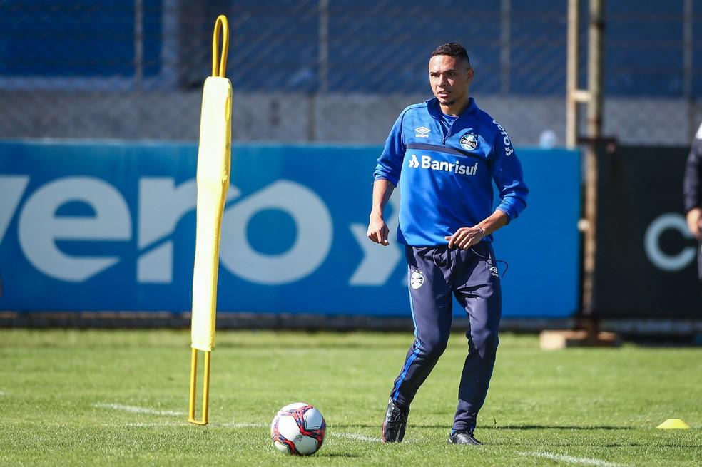 Luiz Fernando treinou normalmente neste sábado — Foto: Lucas Uebel/Grêmio