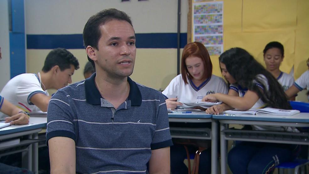 Professor de Itambé é considerado um dos 50 melhores educadores do mundo — Foto: Reprodução/TV Globo