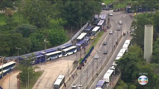 Três cidades da Região Metropolitana de São Paulo amanhecem sem ônibus