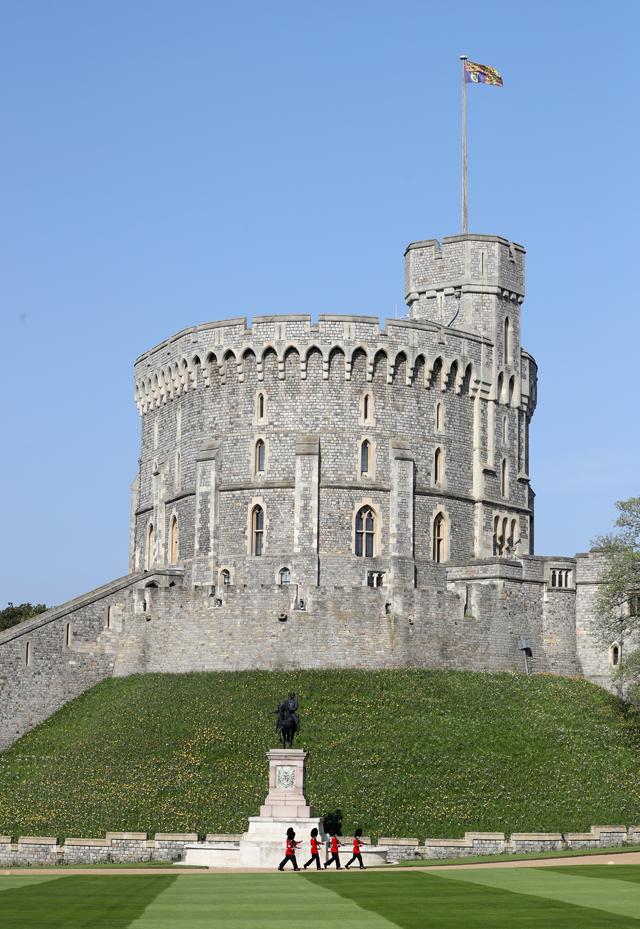 Quando a rainha está na casa, a bandeira real é hasteada - caso de quando eu estive no Castelo de WIndsor (Foto: Divulgação)